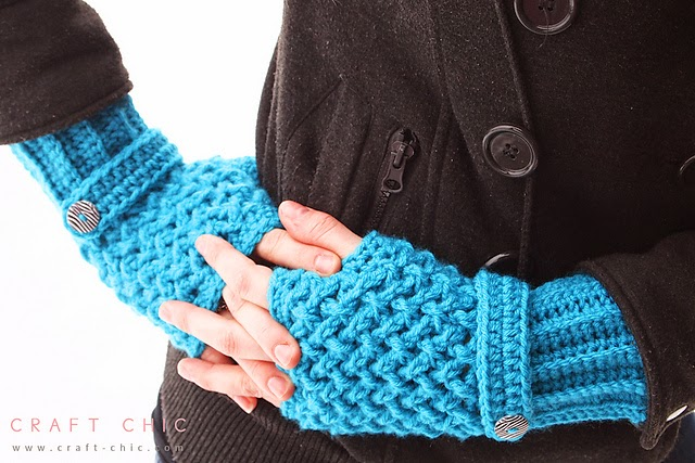 free crochet pattern textured fingerless gloves