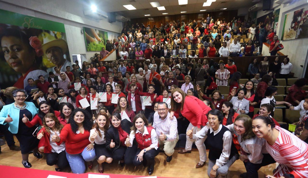 Entrega ONMPRI Nacional nombramientos a la estructura de Veracruz