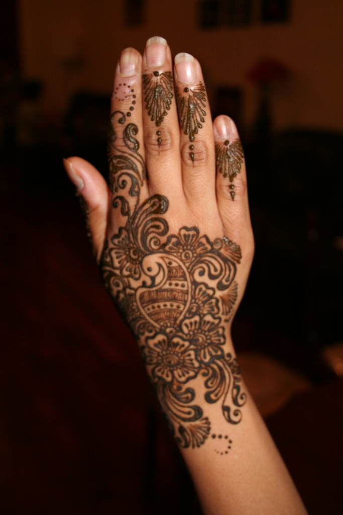 Mehndi Henna Tattoo Designs : Heena mehndi designs for hands