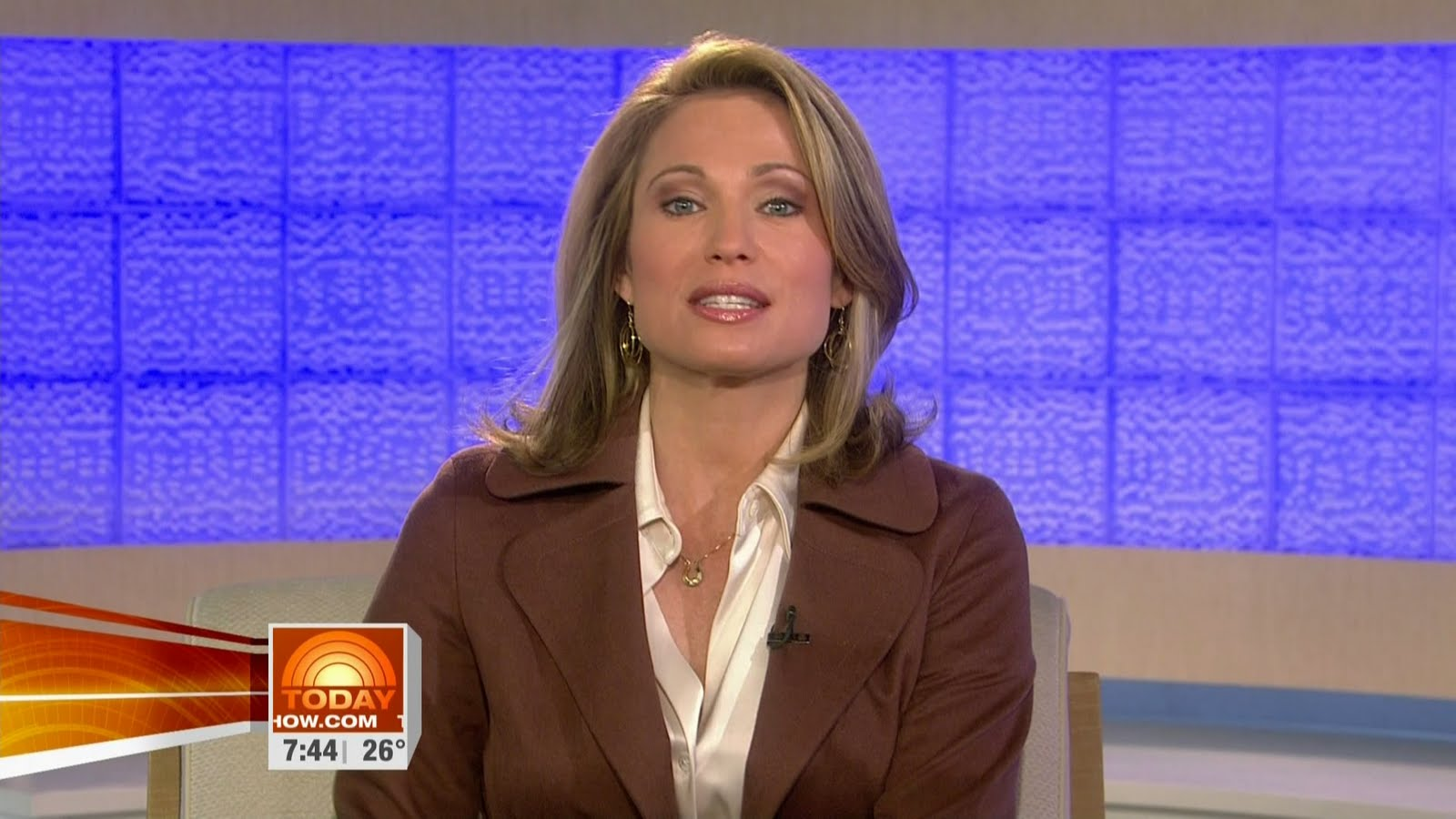 Amy Robach Cream Satin Blouse   Short Hairstyle 2013