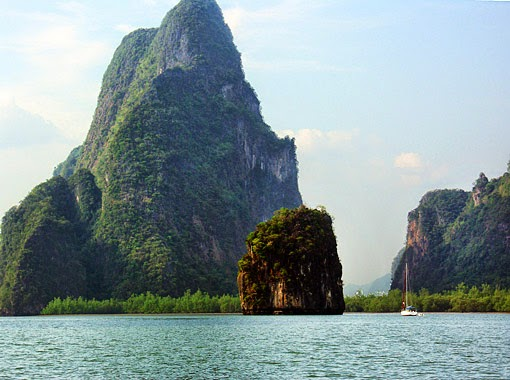 Cruising Phangnga Bay