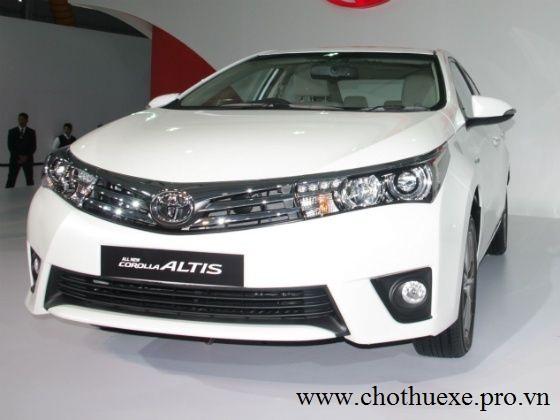 Cho thuê xe 4 chỗ Toyota Altis dáng thể thao
