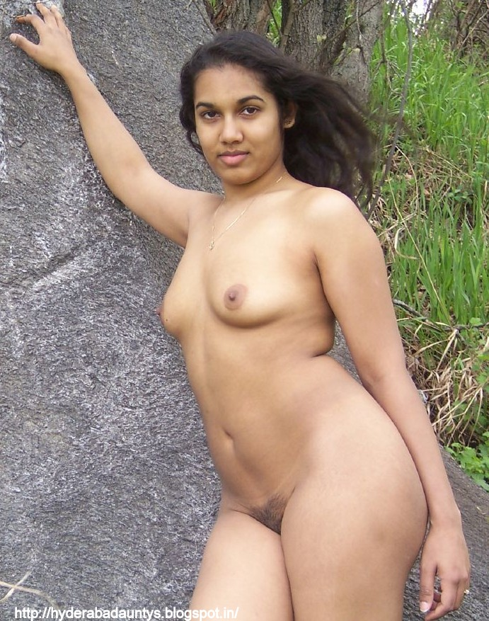 Naked Girls: vanaja ayyar hot mallu aunty photos