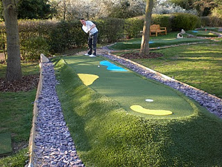 Minigolf and Crazy Golf courses in and around London - Barnet Copthall