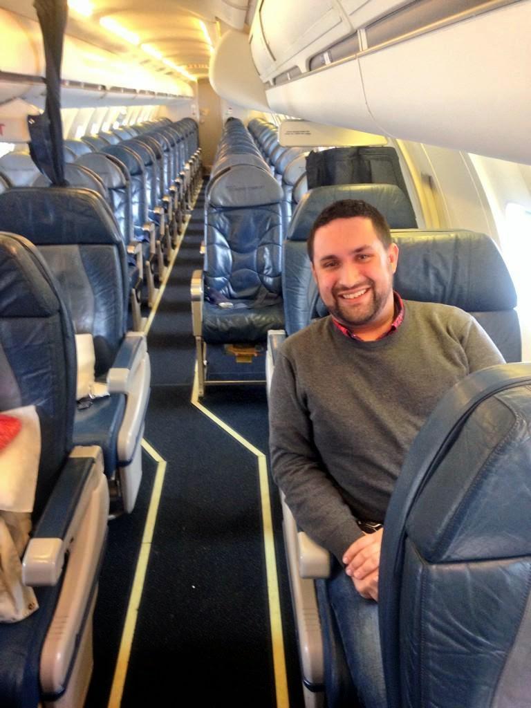 http://asalasah.blogspot.com/2015/01/penerbangan-langka-cuma-satu-penumpang.html