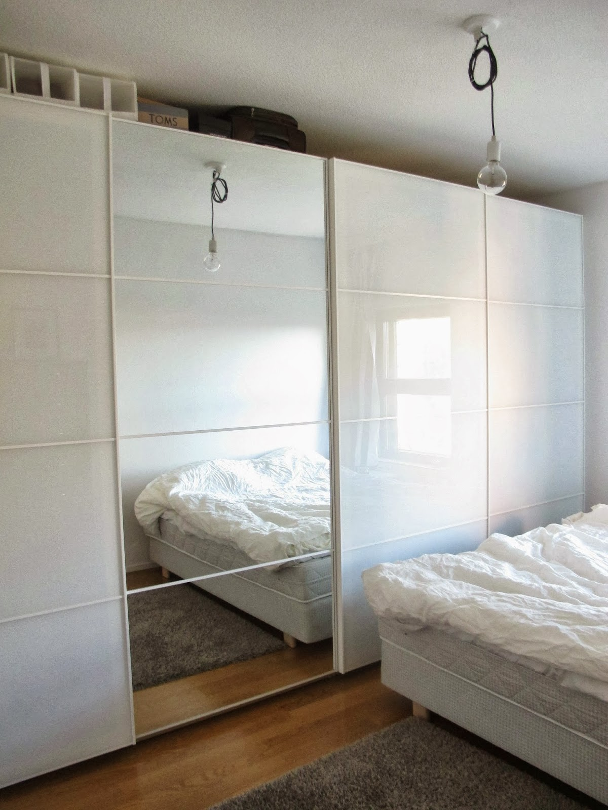 Olohuoneen Sohva : Oma sohva: Kurkistus makuuhuoneeseen
