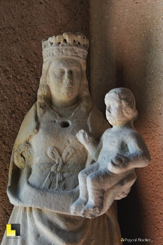 Vierge à l'enfant Carcassonne photo au delà du cliché
