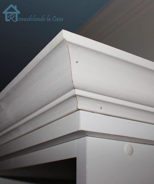 crown molding on bookcase