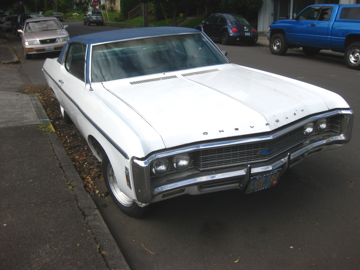 Old parked cars 1969 chevrolet caprice