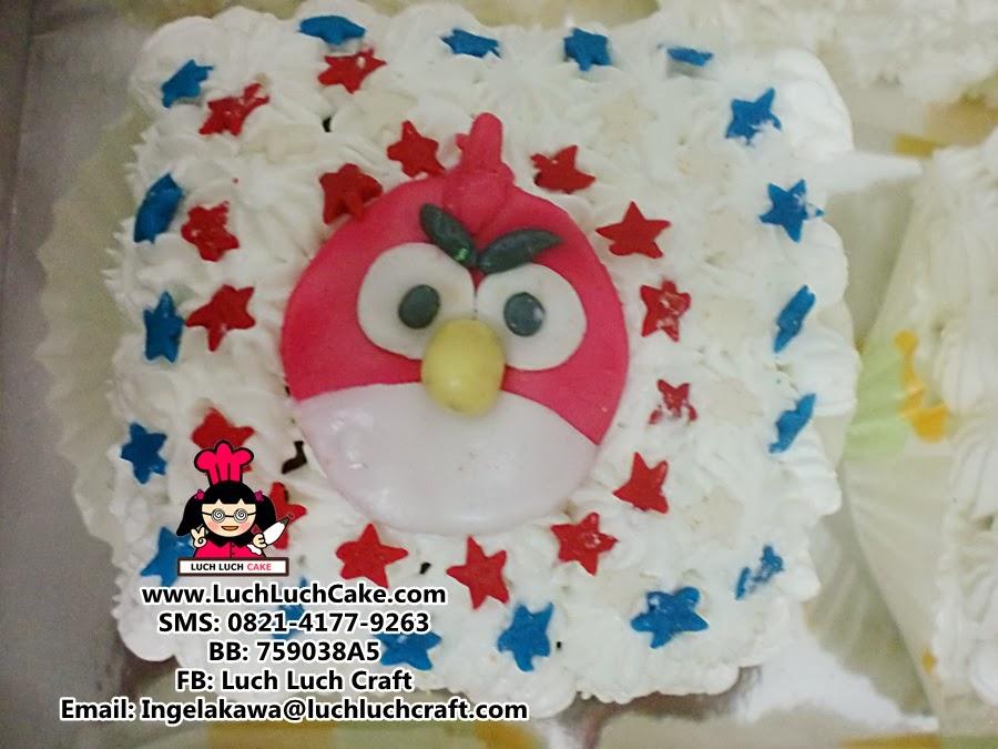 kue tart angry bird