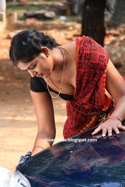 soundarya tamil movie hot romancing spicy romance navel cleavage stills