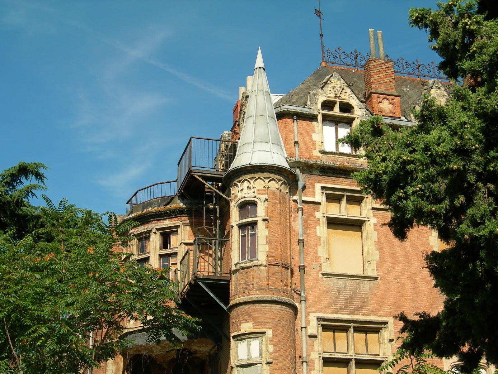 Scah blog les secrets de toulouse demeure en p ril castel gesta ou le ch teau des verri res - Demeure de charme dom architecture ...