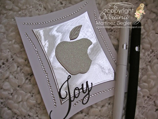 apple front greeting card with pens