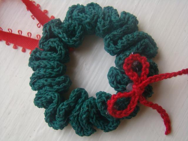 Christmas Wreath Ornament Crochet Patterns