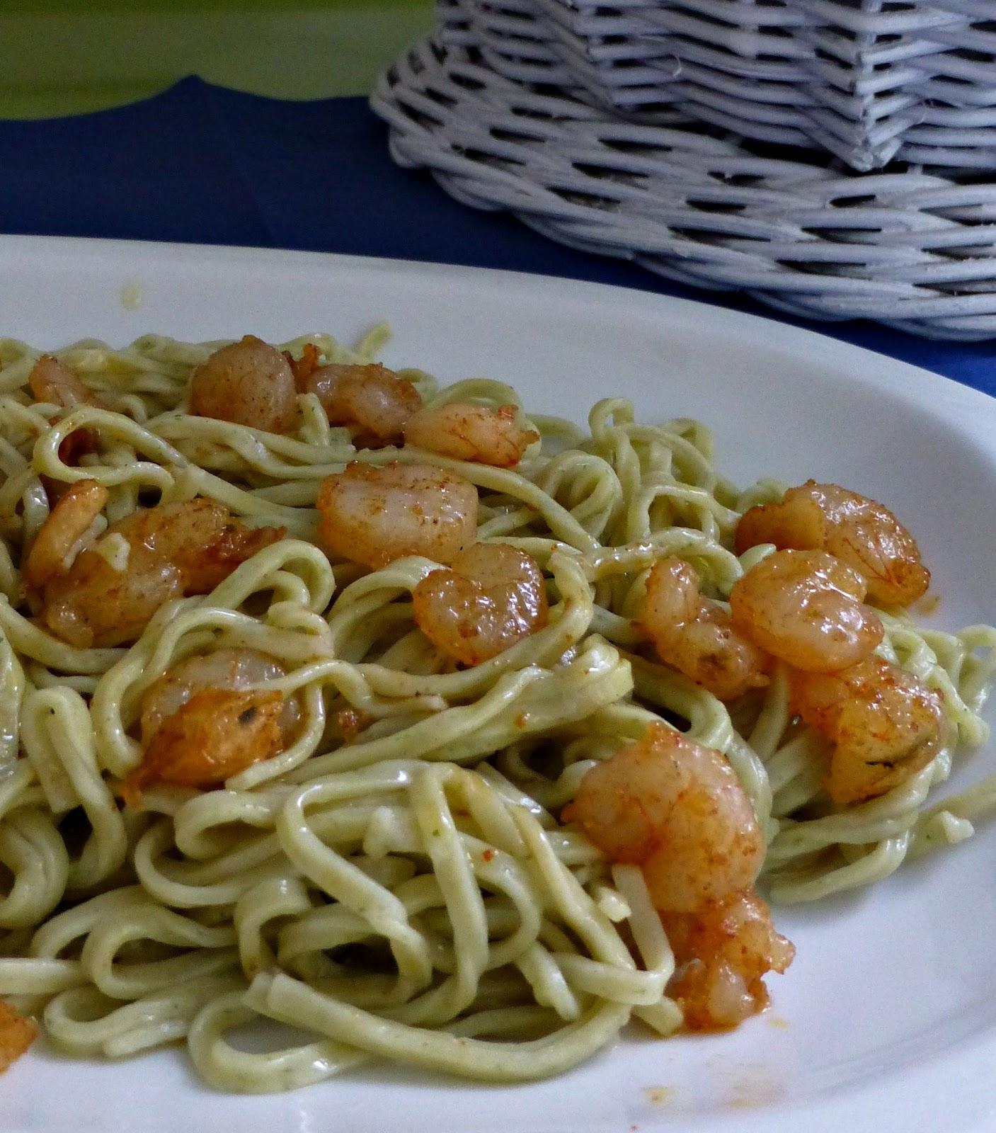 Las cerezas blancas espaguetis de ajo y perejil con gambas for Espaguetis con ajo y perejil
