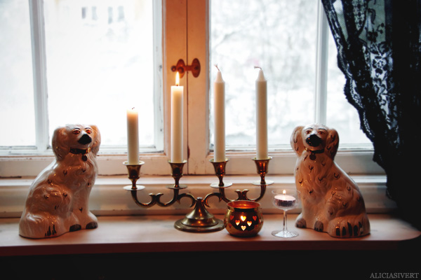 aliciasivert, alicia sivertsson, jul, mys, andra advent, second coming, adventsljusstake, porslinshundar, beswick staffordshire, porcelain dogs, candles