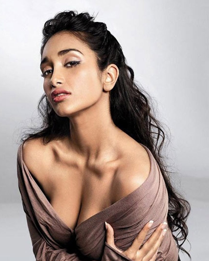 Hot actress pics: Jiah Khan