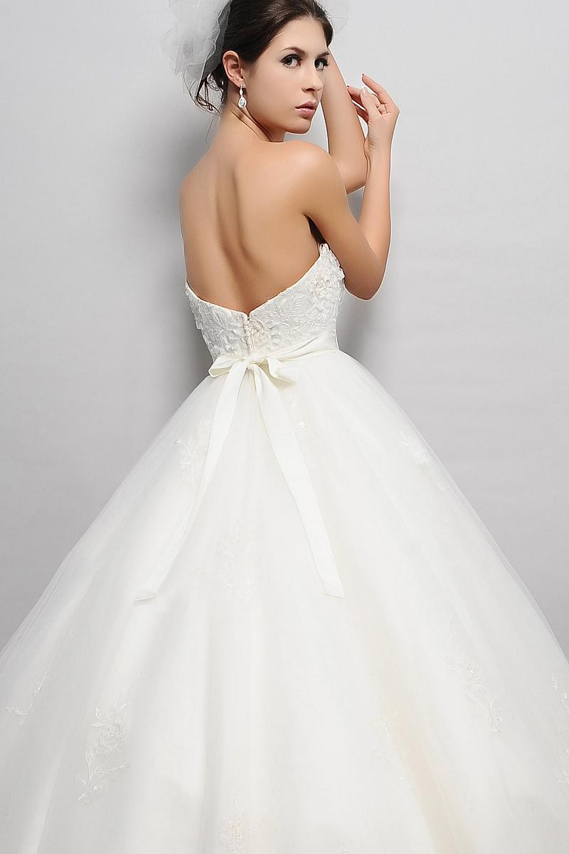 pear shaped wedding dress cheap
