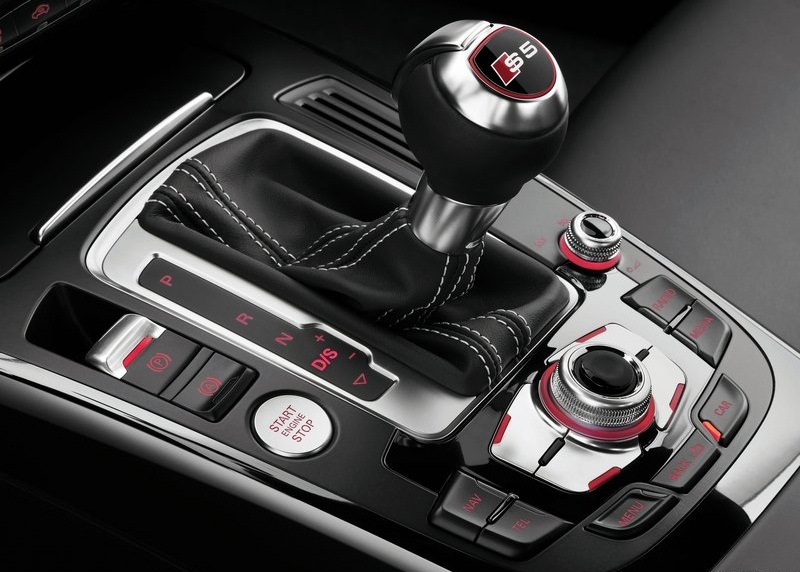 Audi S5 Sportback 2012 optional xenon technology consistent with