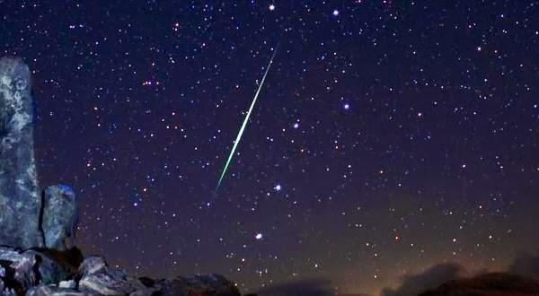 Hujan Meteor Geminid Hiasi Langit Indonesia Malam ini