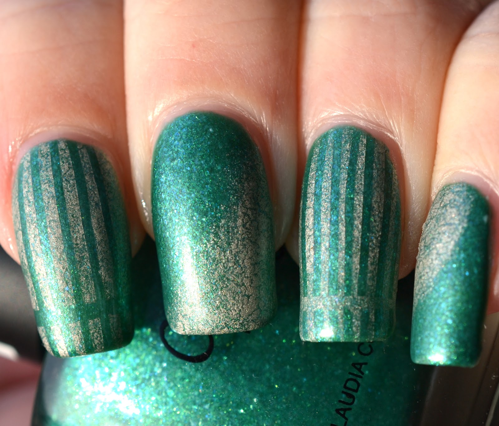http://lenas-sofa.blogspot.de/2015/02/claudia-185-green-marine.html