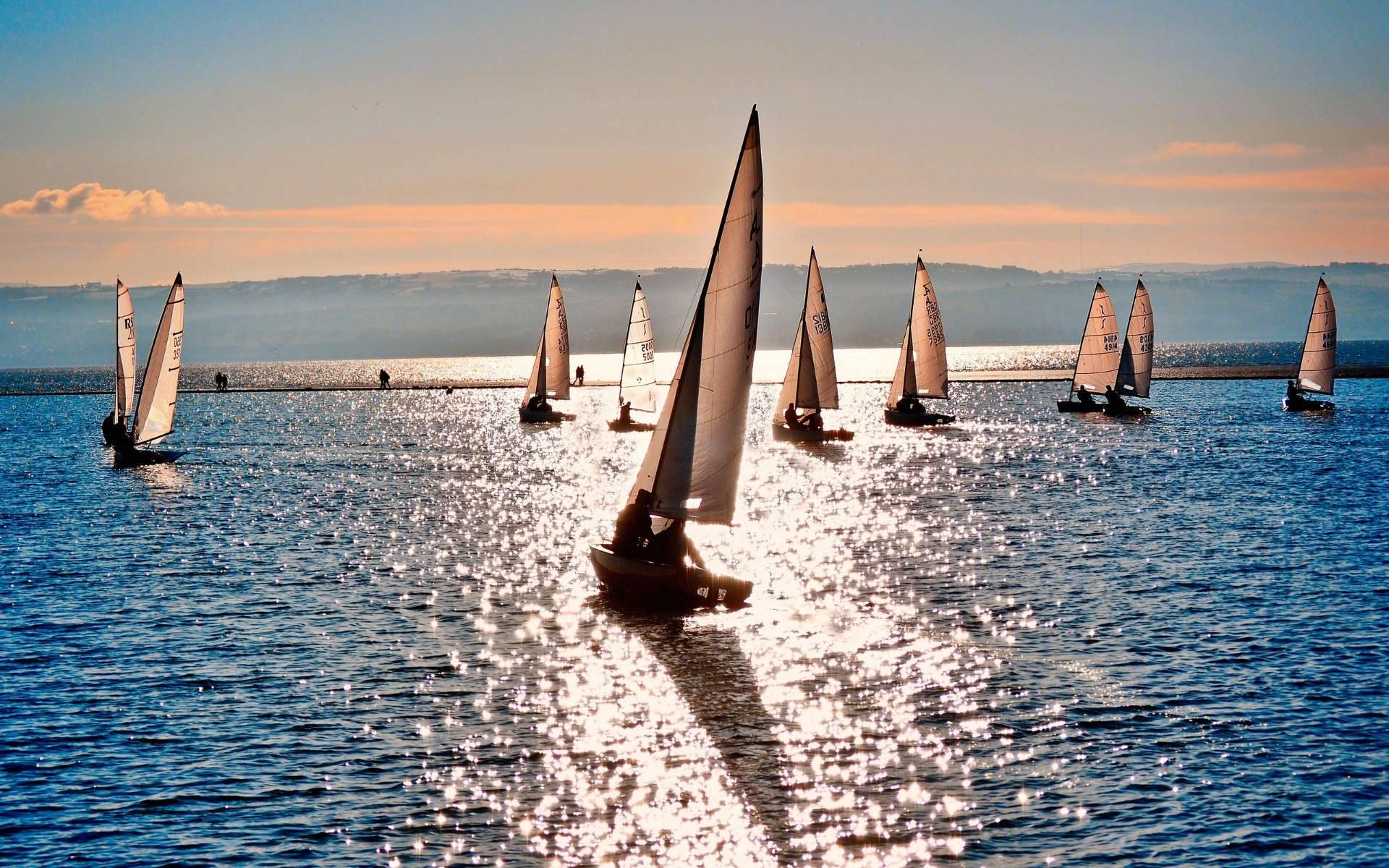 http://2.bp.blogspot.com/-8FMU4YY-LgU/T_f_c9B53FI/AAAAAAAAJ5U/n0oLEv17c2c/s1920/boats-in-sea-wallpaper.jpg