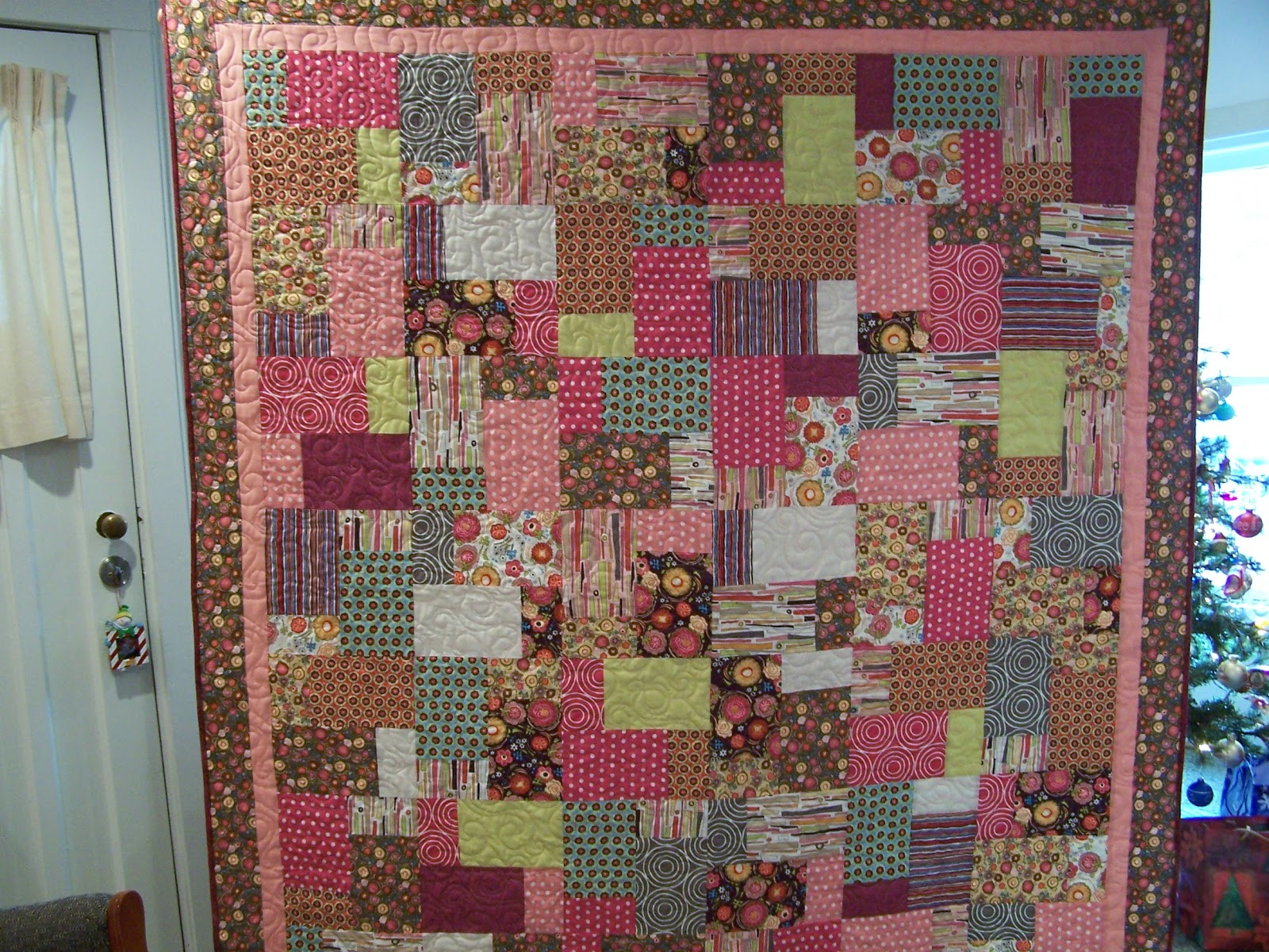 Glady's Gab on Quilts and Quotes: Christmas Quilts Revealed : double layer cake quilt - Adamdwight.com