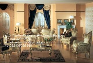 Jual mebel jepara,sofa klasik jepara Mebel furniture klasik jepara jual set sofa tamu ukir sofa tamu jati sofa tamu antik sofa jepara sofa tamu duco jepara furniture jati klasik jepara SFTM-33030 sofa klasik ukir jepara