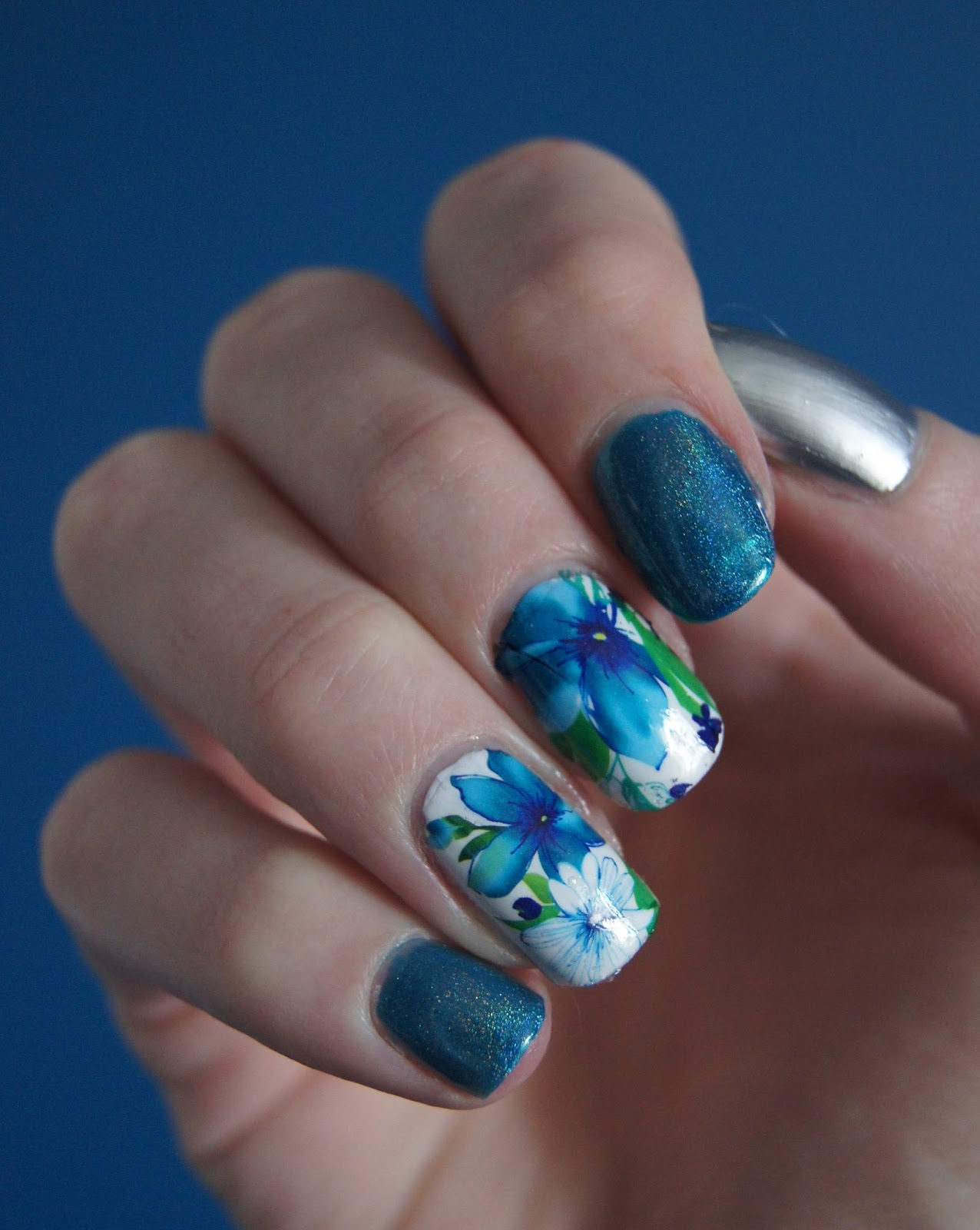 nail-art-water-decals-blue