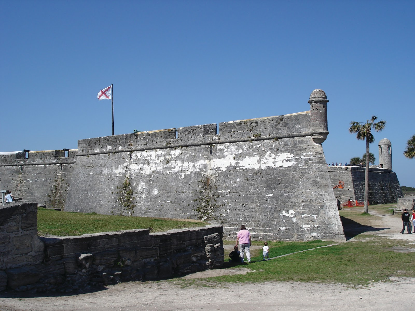 castillo de san marcos A monument not only of stone and mortar but of human determination and endurance, the castillo de san marcos symbolizes the clash between cultures which ultimately.