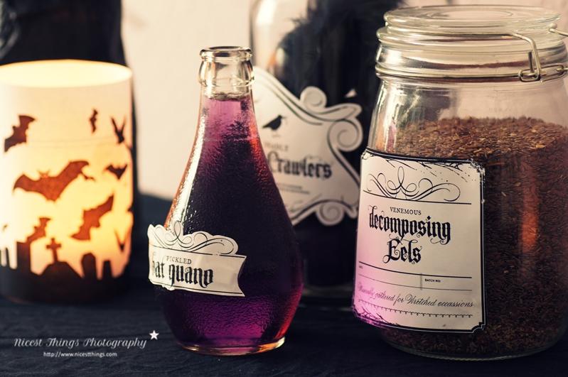 DIY Halloween Deko: Gläser und Flaschen mit gruseligen Etiketten