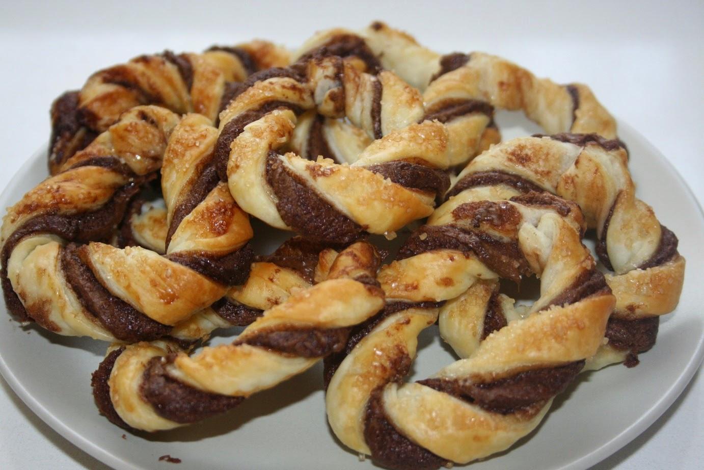 ciambelline di pasta sfoglia con nutella