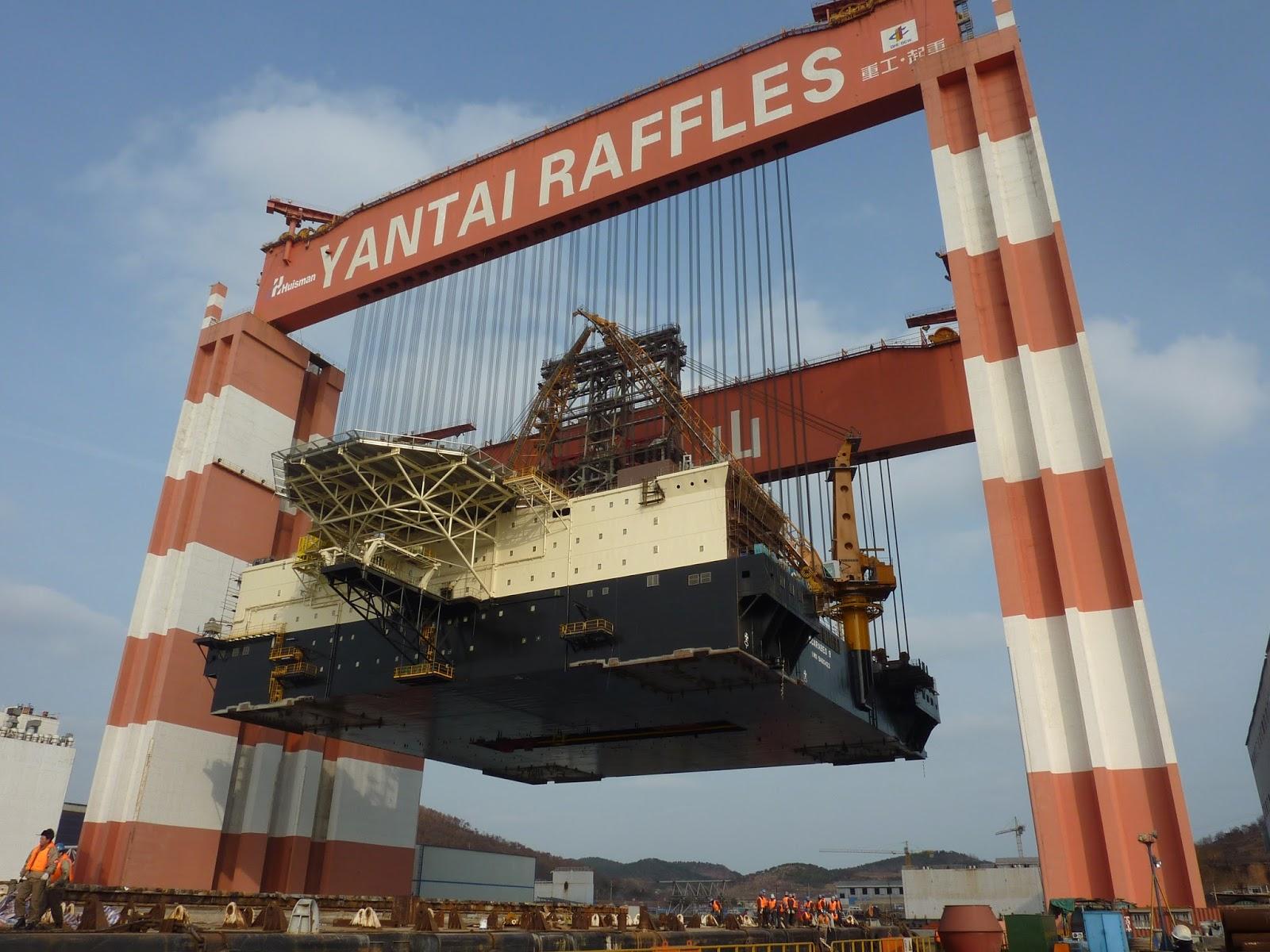 Dengan Fasilitas ini mereka tinggal membangun modul modulnya keseluruhan topside dibangun kemudian diloadout dengan barge masuk dalam Drydock angkat