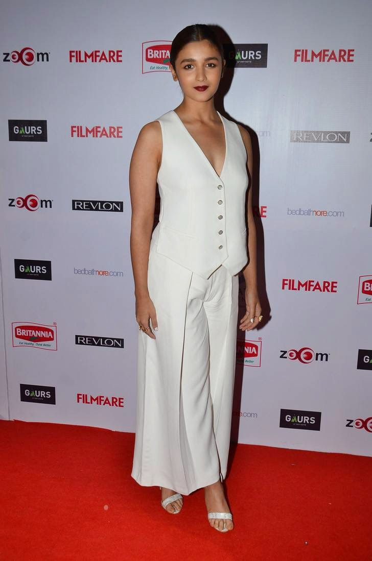 Actress Alia Bhatt Latest Cute Hot White Dress Spicy Photos Gallery At 60th Britannia Filmfare Awards Pre-Party