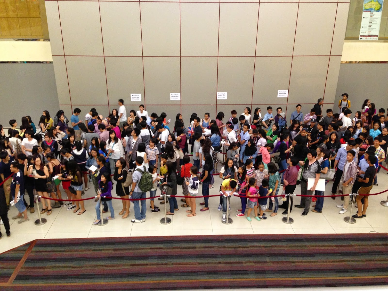 Why Singaporeans queue?
