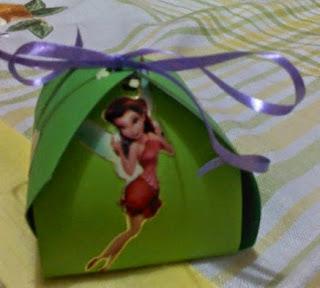 http://lasmanualidades.imujer.com/6273/cajitas-de-cartulina-para-souvenirs-por-adriana