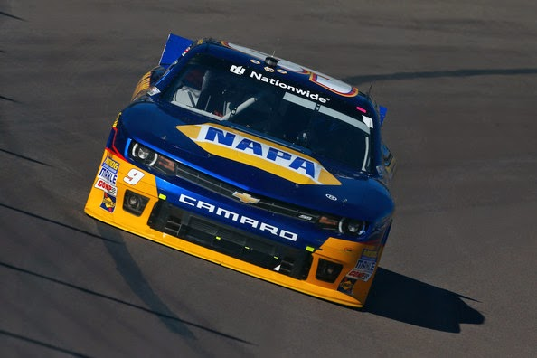 Chase Elliott, driver of the #9 NAPA Auto Parts Chevrolet, races during qualifying for the NASCAR Nationwide Series DAV 200 at Phoenix International Raceway on November 8, 2014 in Avondale, Arizona. (November 7, 2014 - Source: Matt Sullivan/Getty Images North America)