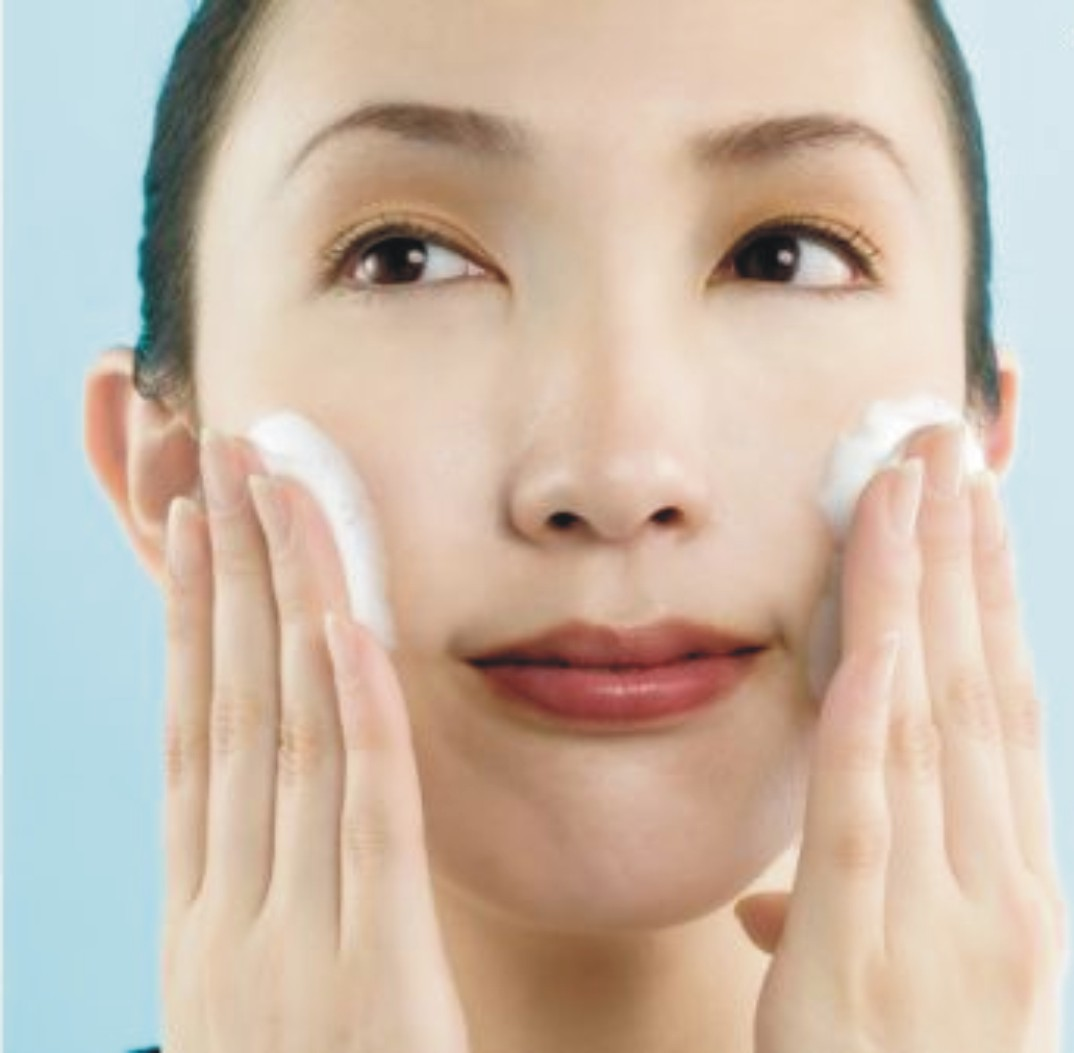 Easy steps that can be done to treat the facial skin