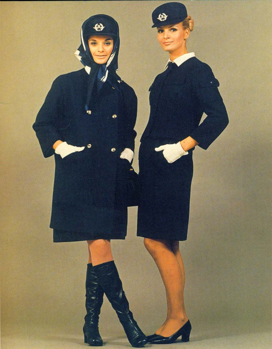 los uniformes que cristobal balenciaga dise para las azafatas de air france. Black Bedroom Furniture Sets. Home Design Ideas