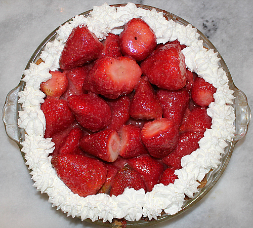 love, laurie: mom's strawberry pie