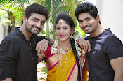 kundanapu bomma star cast photos-thumbnail-16