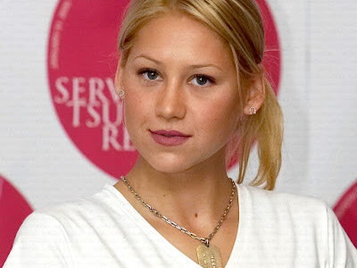 Hot Tennis Star, Russian - American Citizen Anna Kournikova Wallpapers