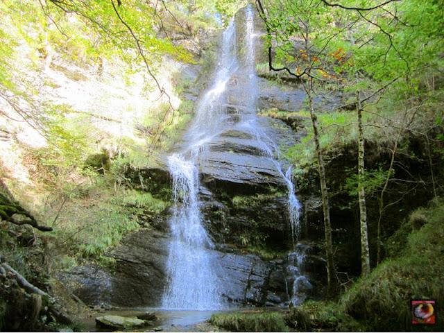 Cascada de Uguna en Zeanuri (Bizkaia)
