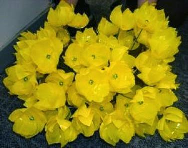 kerajinan tangan dari sedotan berbentuk bunga tulip