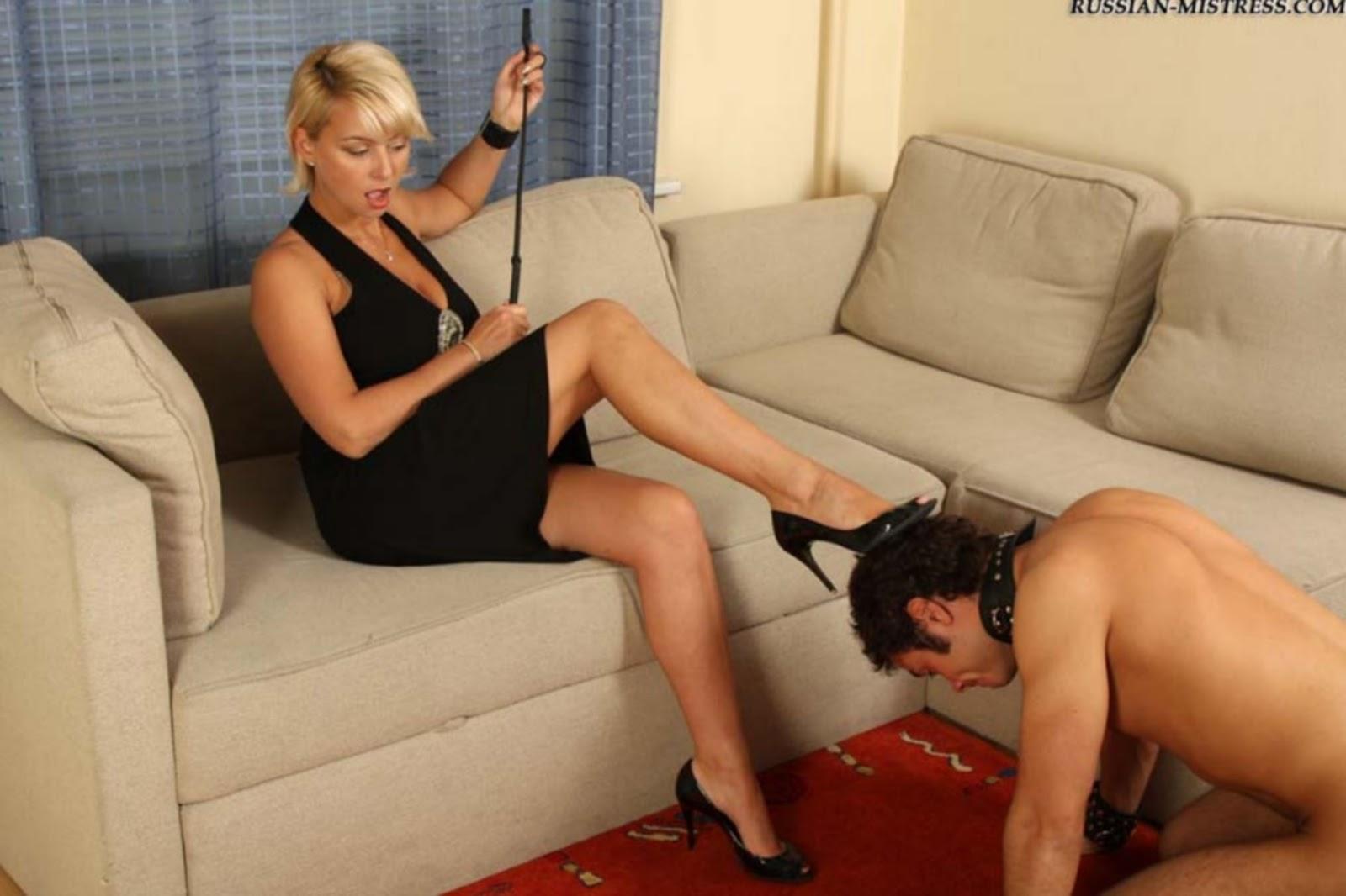 Унижение рабов госпожой порноролики, Унижение раба перед госпожей - видео 2 фотография