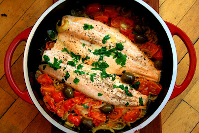 Mediterranean trout with tomatoes and olives, a tasty meal in under 30 minutes