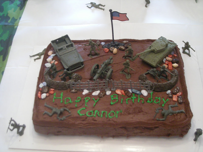 Cutting coupons in kc army men birthday cake camouflage for Army cake decoration