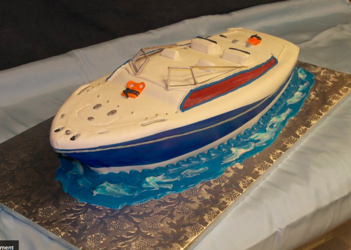Speed Boat Cake http://pacbakery.blogspot.com/