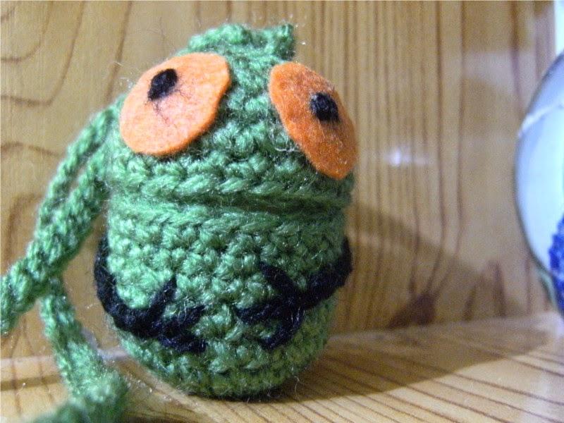 Reciclado con crochet de un huevo kinder