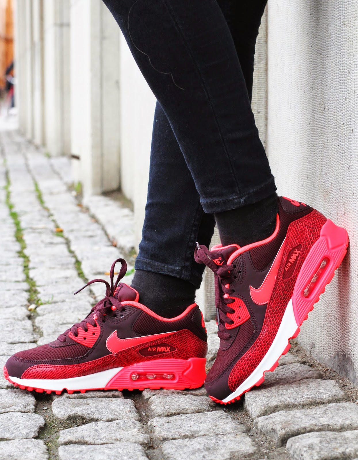 http://www.footish.se/sneakers/nike-wmns-air-max-90-6